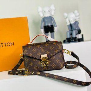 LV Pochette Metis Women Monogram Bag 664946